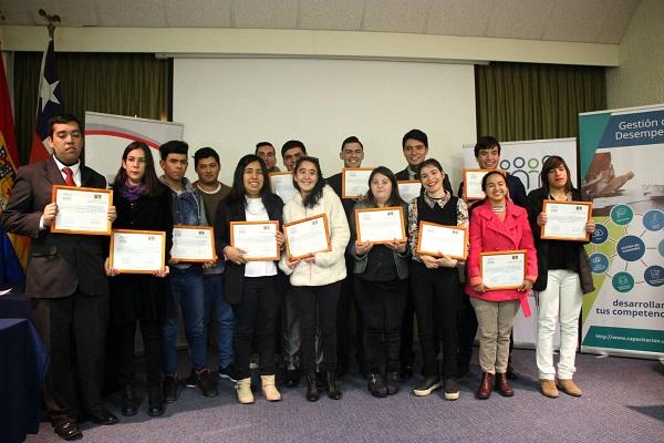 USM y entrega certificados escolares discapacidad